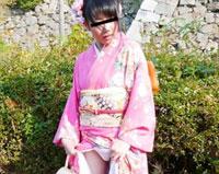 【無修正】天然むすめ 飛びっこ散歩 ~振袖じゃまっすぐ歩けない~ 大澤舞