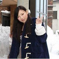 雪原露出 ~吹雪の中の幻想的な18歳の色白マンコ~