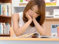 【エロ動画】寝たふり挑発パンチラ