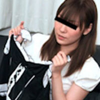 【無修正】上京したての極上素人パイパン娘がバイト感覚でメイド服着てハメ撮り中出し! 宮藤まい