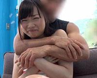 【H動画】海で声をかけた恋人が欲しい一般男女がマジックミラー号でいきなりお見合い!出会って数分で「手を握り・見つめ合い・キスをしたら…」火がついて初対面即SEXまでするのか?4