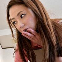 【中出し 無料 無修正】家政婦はシタ!某ドラマのパロwエロ動画を見てる姿を覗きムラムラが抑えられなくなりセックス!美咲菜々子