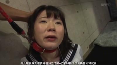 ちょいブサ女が男たちからの性的イジメの強制イラマチオで泣く