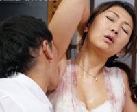 【エロ動画】近親相姦 お母さん、今度はお風呂が壊れたよ。 伊織涼子