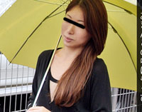 【無修正】雨天ナンパでエッチな人妻を一本釣り! 桜ゆうこ