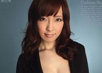 【エロ動画】ましろ杏のスーツ・コス