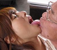 【エロ動画】素直すぎて何でも聞いちゃう老人介護士 瑠川リナ